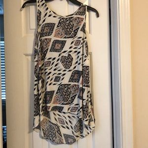 Vince Camuto short sleeve blouse